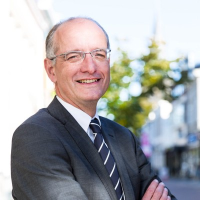 Burgemeester Onno van Veldhuizen van Enschede sinds oktober 2015